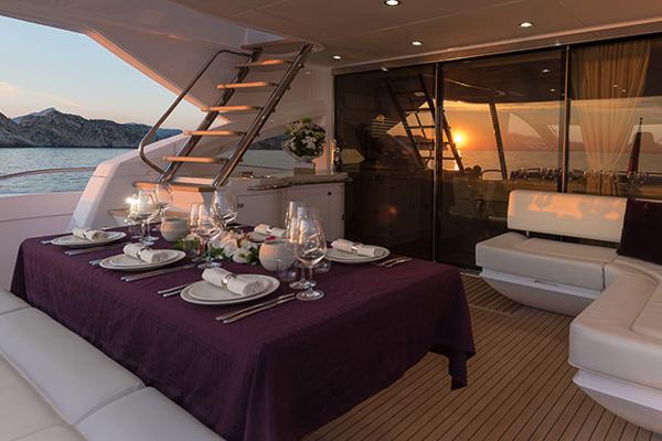 Yacht charter Ibiza and Formentera Sunseeker Predator 80