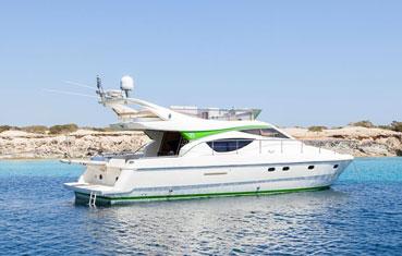 Yacht charter ibiza Ferretti 460
