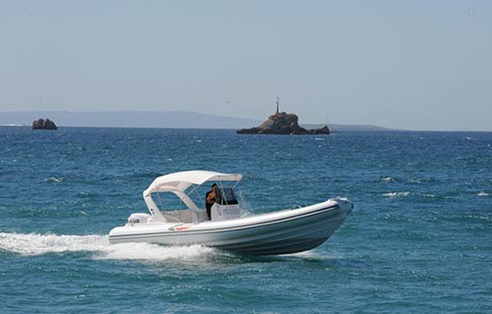Alquiler zodiac en Ibiza Selva d800