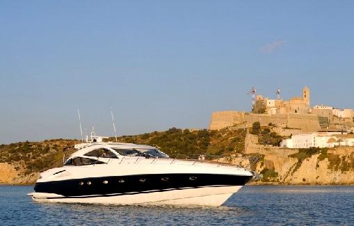 Charter Sunseeker Predator 68 en Ibiza y Formentera