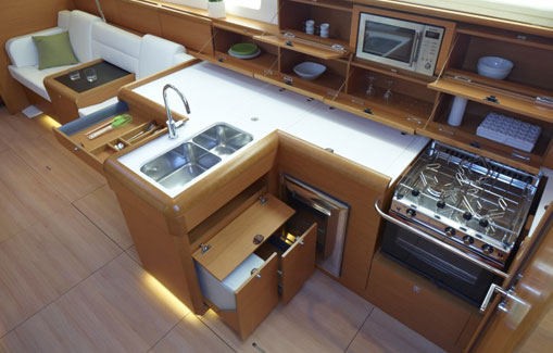 Alquiler de velero en Ibiza Sun Odyssey 509