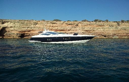 Alquiler yate en Ibiza Absolute 56