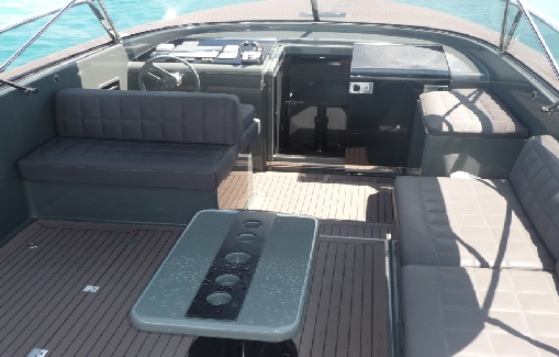 Motorboat charter on Ibiza Van Dutch 40