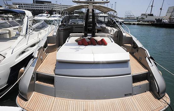 Alquiler de yate en Ibiza o Formentera Riva Rivale 52