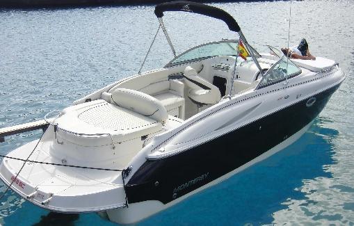 Motorboat charter on Ibiza Monterey 268 SC