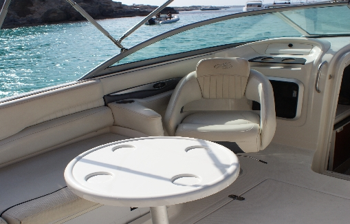 Motorboat charter on Ibiza Monterey 268 SC