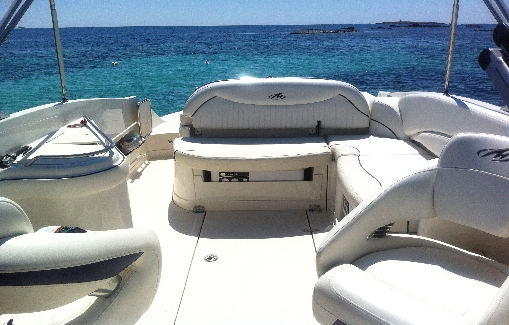 Motorboat charter on Ibiza Monterey 278 SS