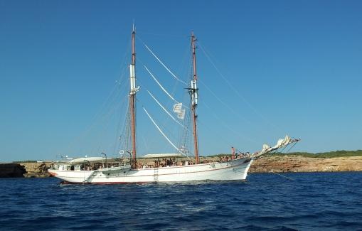 Alquiler velero especial eventos en Ibiza