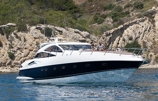 Sunseeker Predator 68 on water