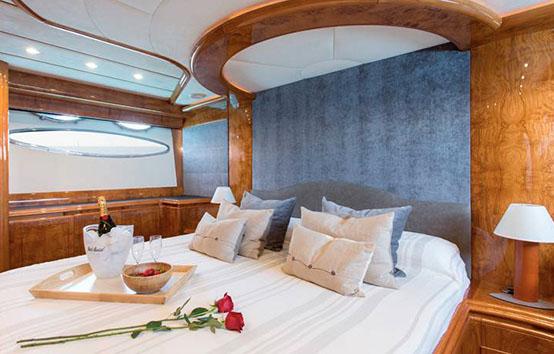 ibiza yacht charter astondoa 72 glx