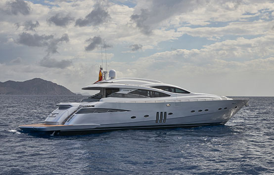 ibiza yacht charter pershing 90 room