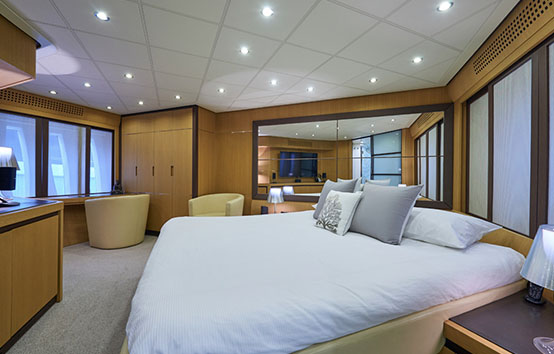ibiza yacht charter pershing 90 interior