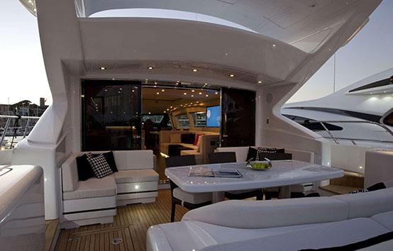 Alquiler yate de lujo en Ibiza Mangusta 108