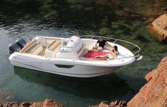Alquiler de lancha en Ibiza Jeanneau Cap Camarat 8.5
