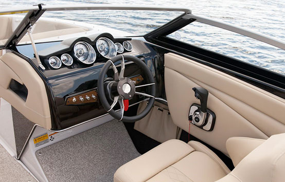 Motorboat charter on Ibiza: GLASTRON 225 GT