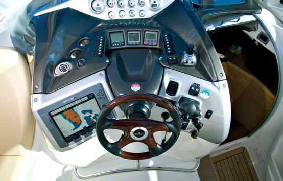 Ibiza motor boat charter Cranchi 43 Cockpit