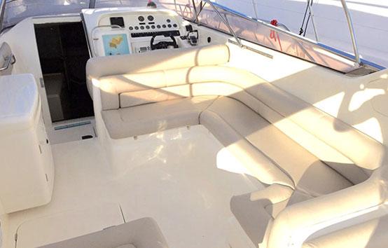 Ibiza motor boat-charter Sunseeker Apache 45 Deck