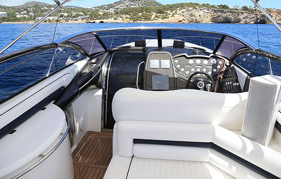 Ibiza motor boat charter Sunseeker Superhawk 48 Cockpit