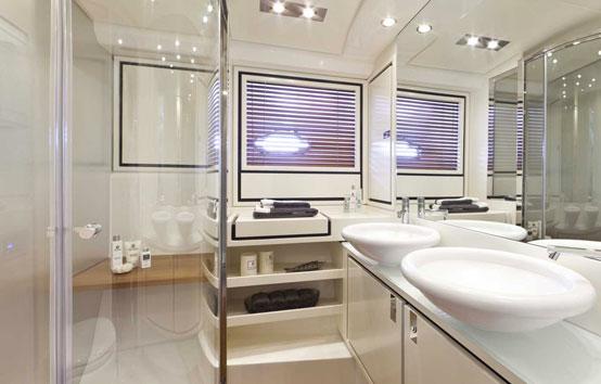Ibiza yacht charter Itama 55 interior