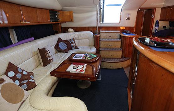 Ibiza yacht charter Sunseeker Camargue 50 Interior