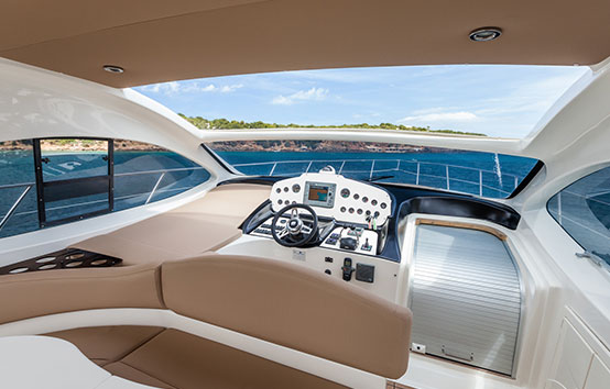 Ibiza boat on charter pilot area Primatist G41 Abbate