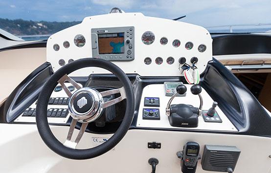 Ibiza boat controls. Primatist G41 Abbate