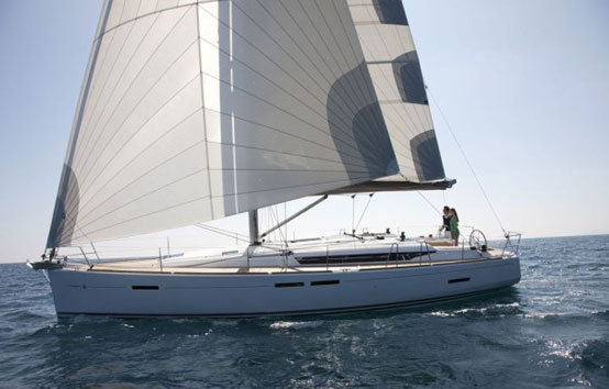 Ibiza sailboat hire Jeanneau 439