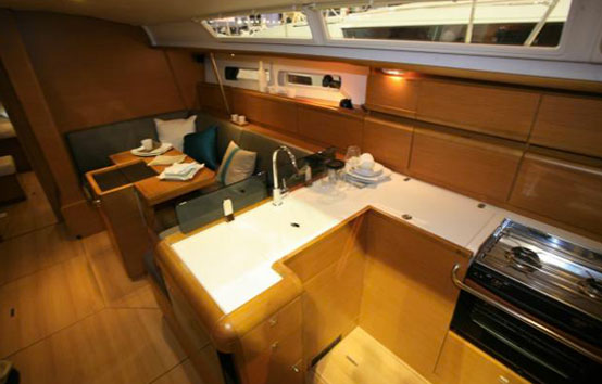 Ibiza sailboat rental Jeanneau 439