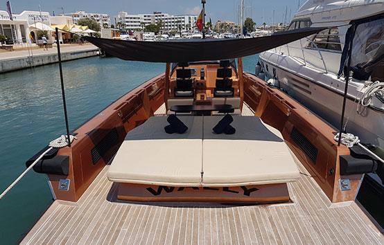 Wally Tender 45 stern interior