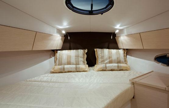 Ibiza Yacht Charter Galeon 290 Fly main room