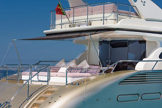 Ibiza yacht charter Leopard 32 exterior