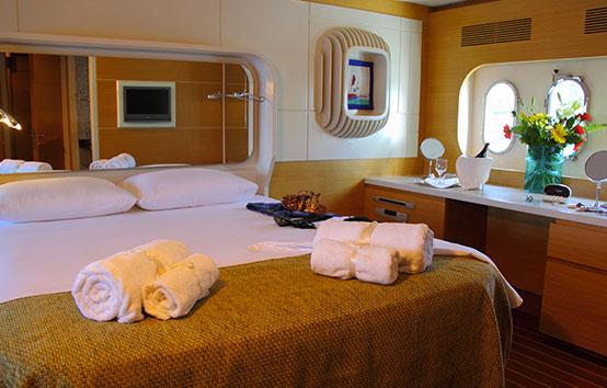 Yacht Pruva 78 room