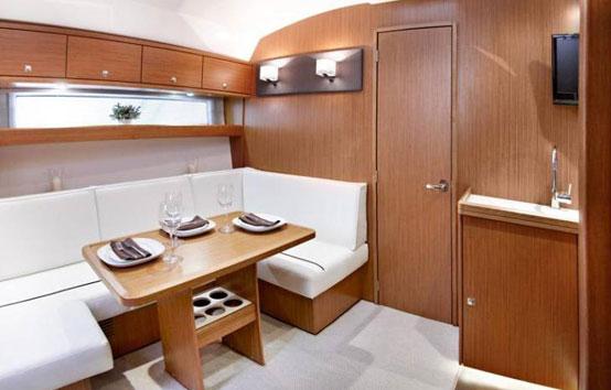Ibiza Motor Boat Charter Bavaria 39 ht interior