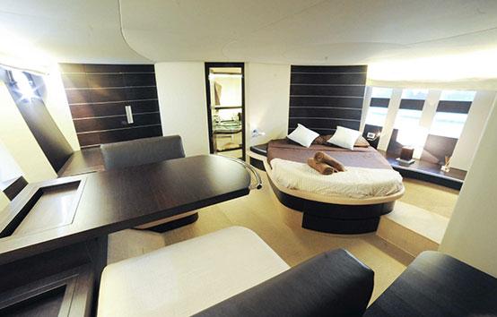 Ibiza yacht charter Azimut 68 Sport