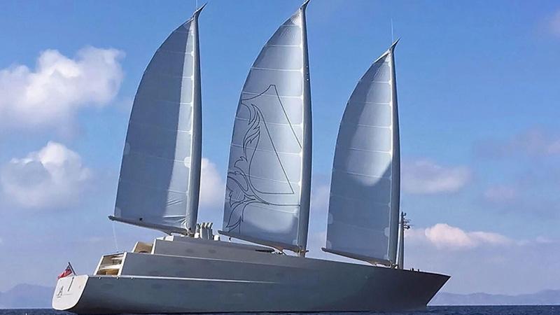 A superyacht en ibiza