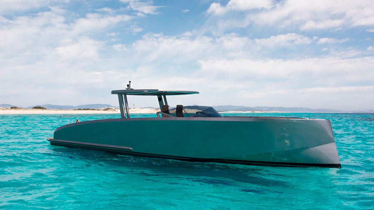 motorboat charter vanquish VQ48 DC ibiza