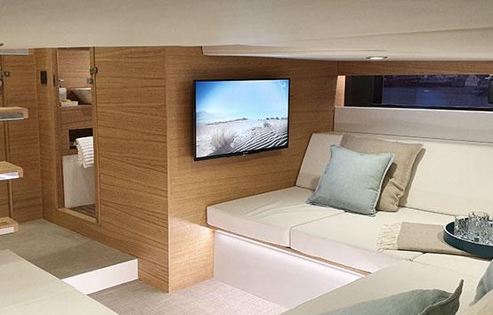 De Antonio d42, Ibiza motor boat charter